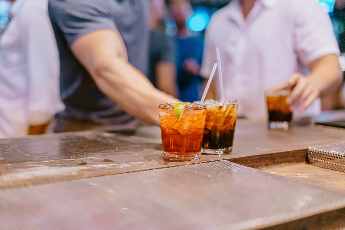 Dierks Bentley's Whiskey Row -Drinks!